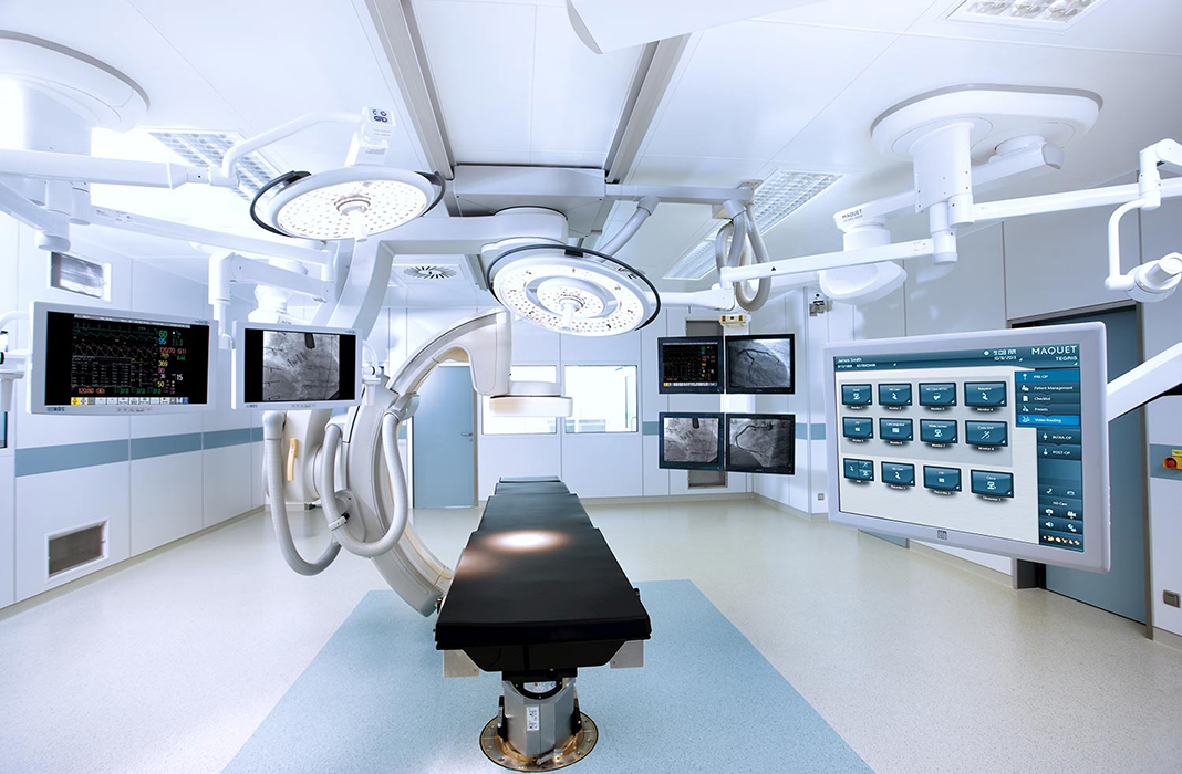 Hospital Maintains Patient and Staff Safety with Hybrid IR Lab and CT