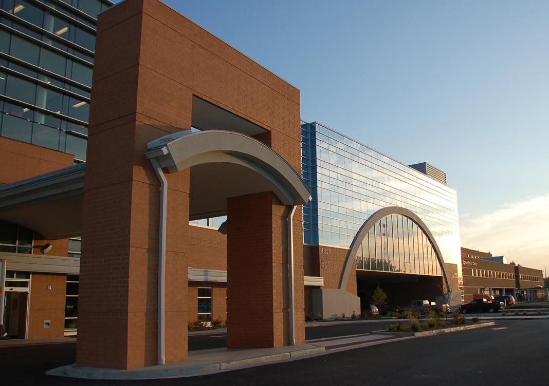 Springfield Clinic Deploys 17 Carestream Digital X-ray Systems